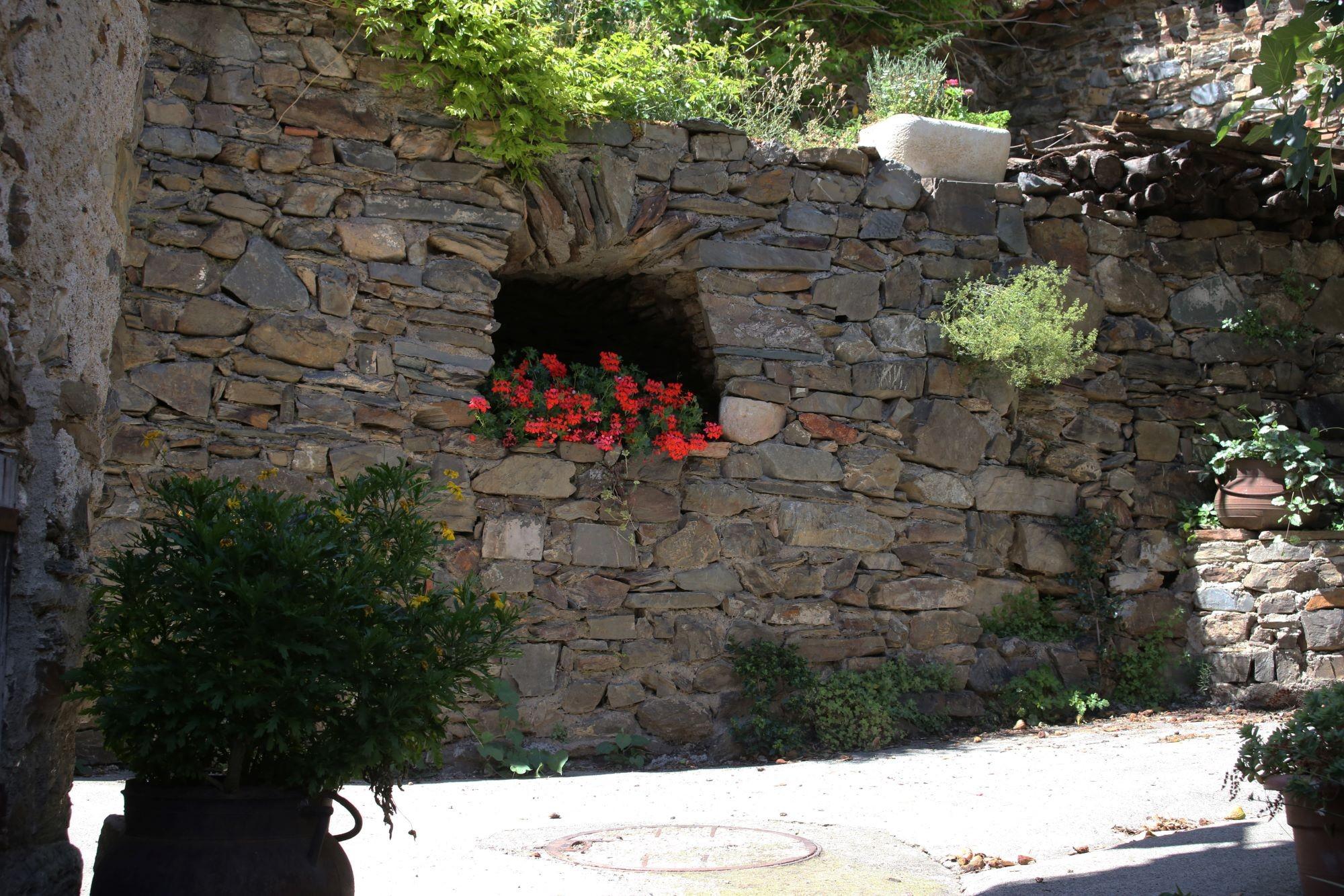mur de pierre de sèches
