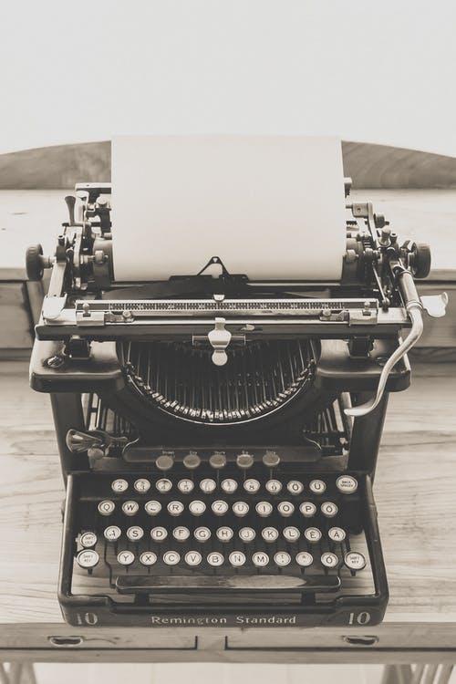 Typewriter vintage old vintage typewriter 163085